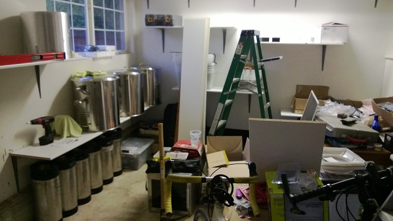 Otro fin de semana ocupado cerveza de garaje - Estanterias para garaje ...